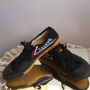 Feiyue Unisex Black Canvas Sneakers Tiger Claw 40